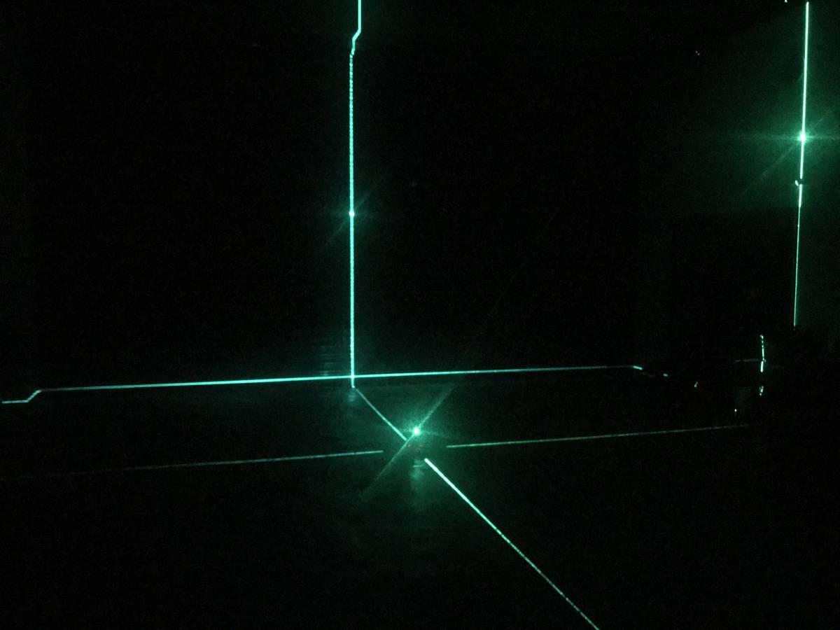 1円から M-5 レーザー墨出器 ◆5ライン ◆三角付き ◆墨出し器 ◆墨つぼ ◆墨だし◆垂直 鉛直 地墨点付き ◆水平器 ◆水平測定器 傾斜機能