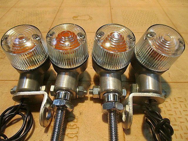 モンキーゴリラ ポッシュ(POSH)12V球付アルミ削り出しボディーのヨーロピアンウインカー4個&取付ステー付きの1台分セット_画像3