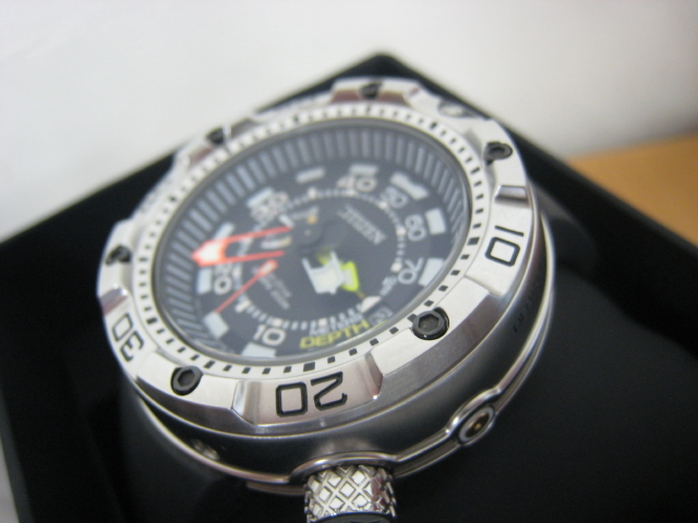 極美品 箱・保付 シチズン CITIZEN 腕時計 PROMASTER プロマスター エコ・ドライブ マリンシリーズ アクアランド200m ダイバー BN2021-03E _画像3