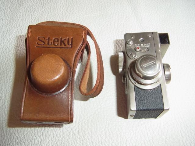 ■極希少 極美品 完動品 1947年発売(昭和22年)■理研光学(現リコー)豆カメラ『Steky 1型』16ミリフィルム 【純正ケース、フィルター付】_画像1