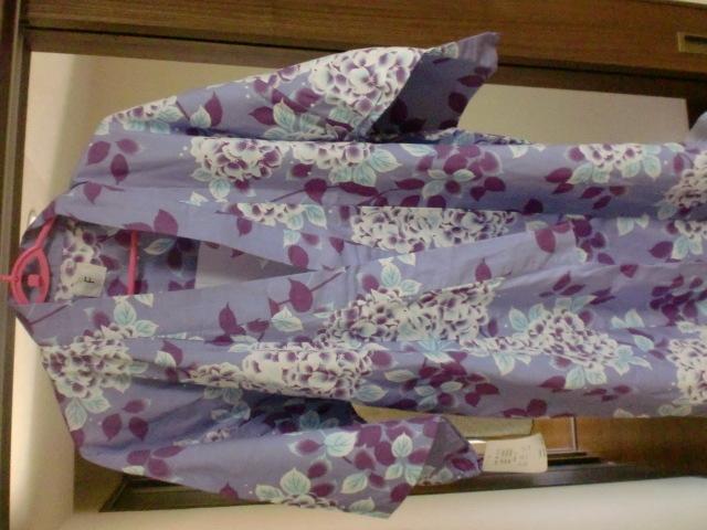 新品 未使用 大人っぽいアジサイ浴衣  うす紫③ おそろいでも  リンクコーデ サイズフリー 夏祭り _画像2