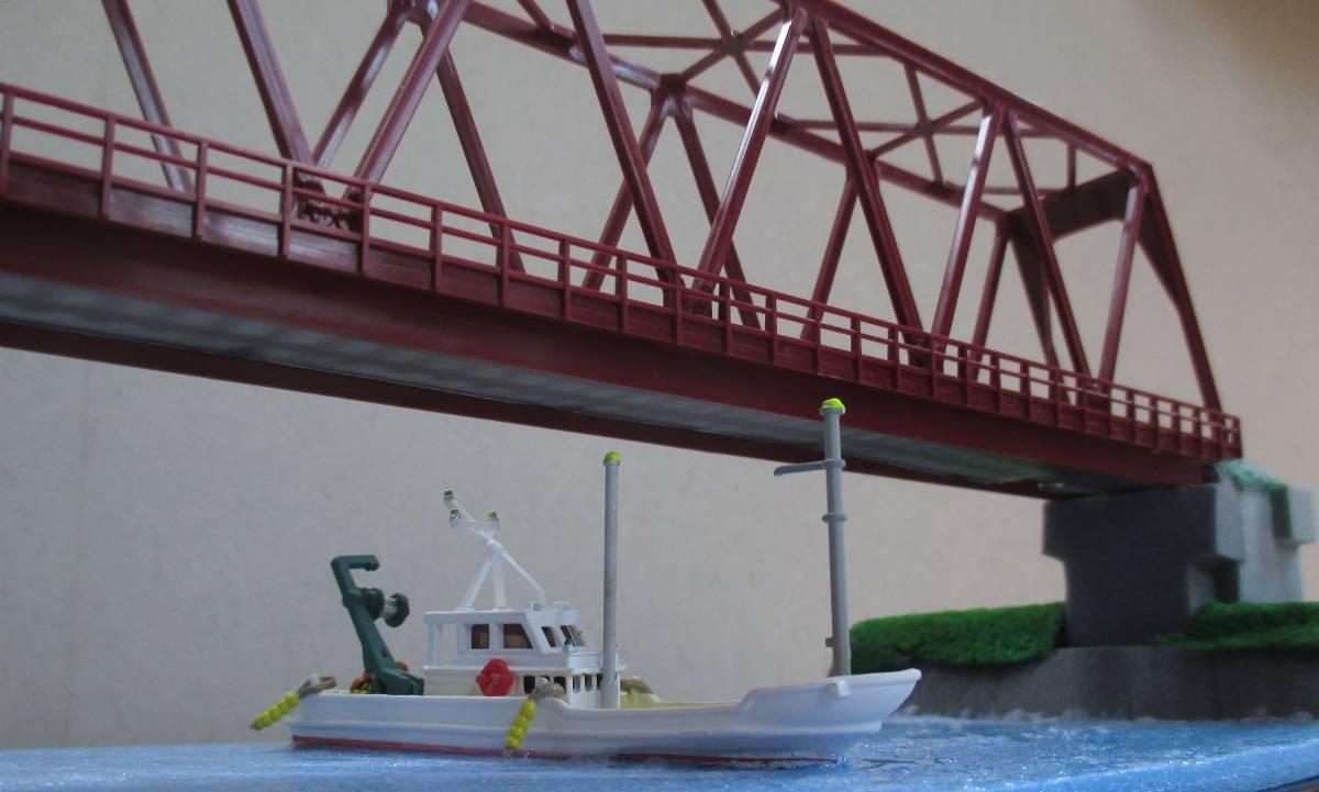 【ジオラマ】 トラス鉄橋ライトアップ (展示ケース) ※展示車両、電源アダプタ・リモコン付属_画像4