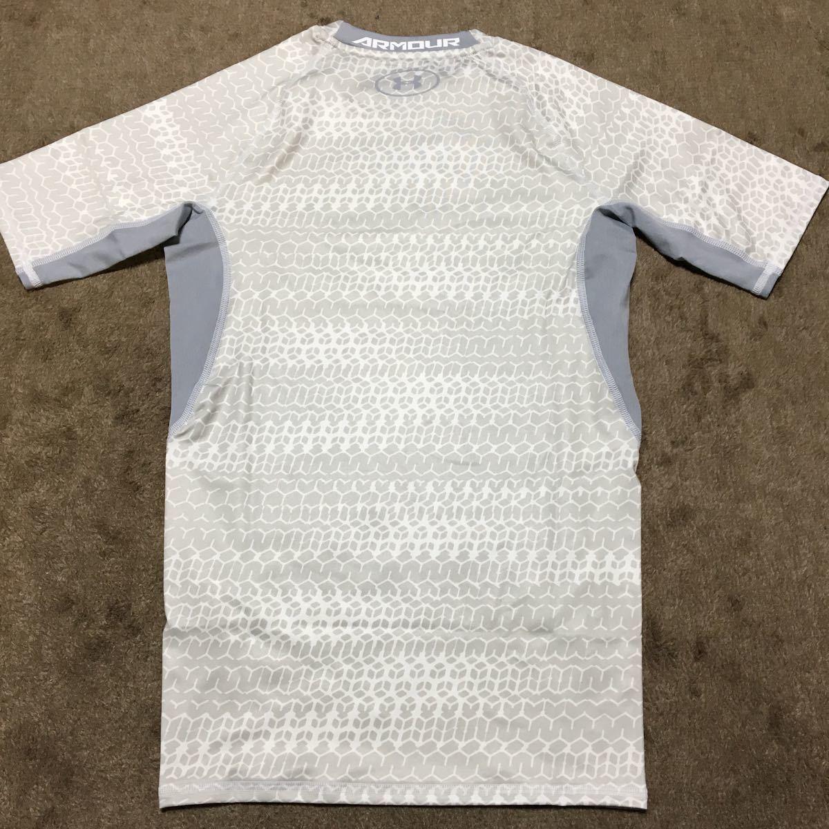 【新品】アンダーアーマーヒートギアシャツ ホワイト MD