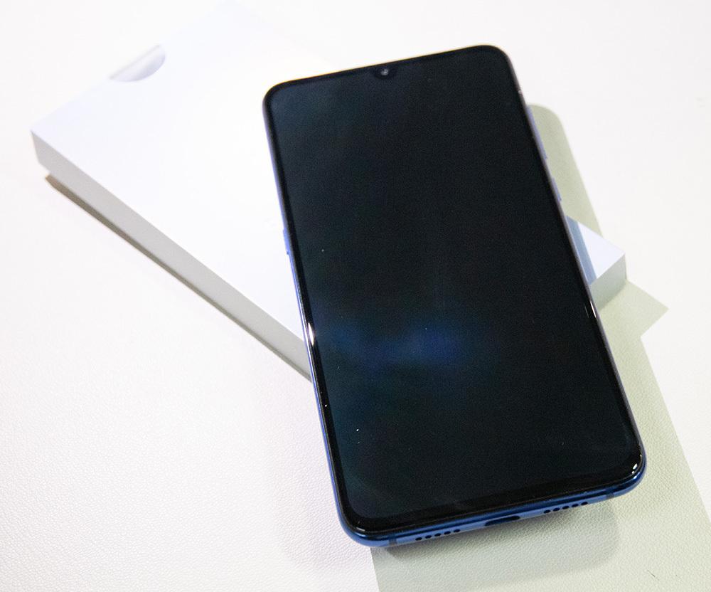 Xiaomi Mi9 Ocean Blue 128GB / 8GB BLU・Global ROM適用済み 中古_画像5
