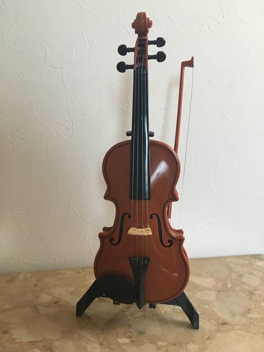 自動演奏バイオリン ハッピーバースディ・結婚行進曲・ジングルベル等 インテリアにもどうぞ_画像2