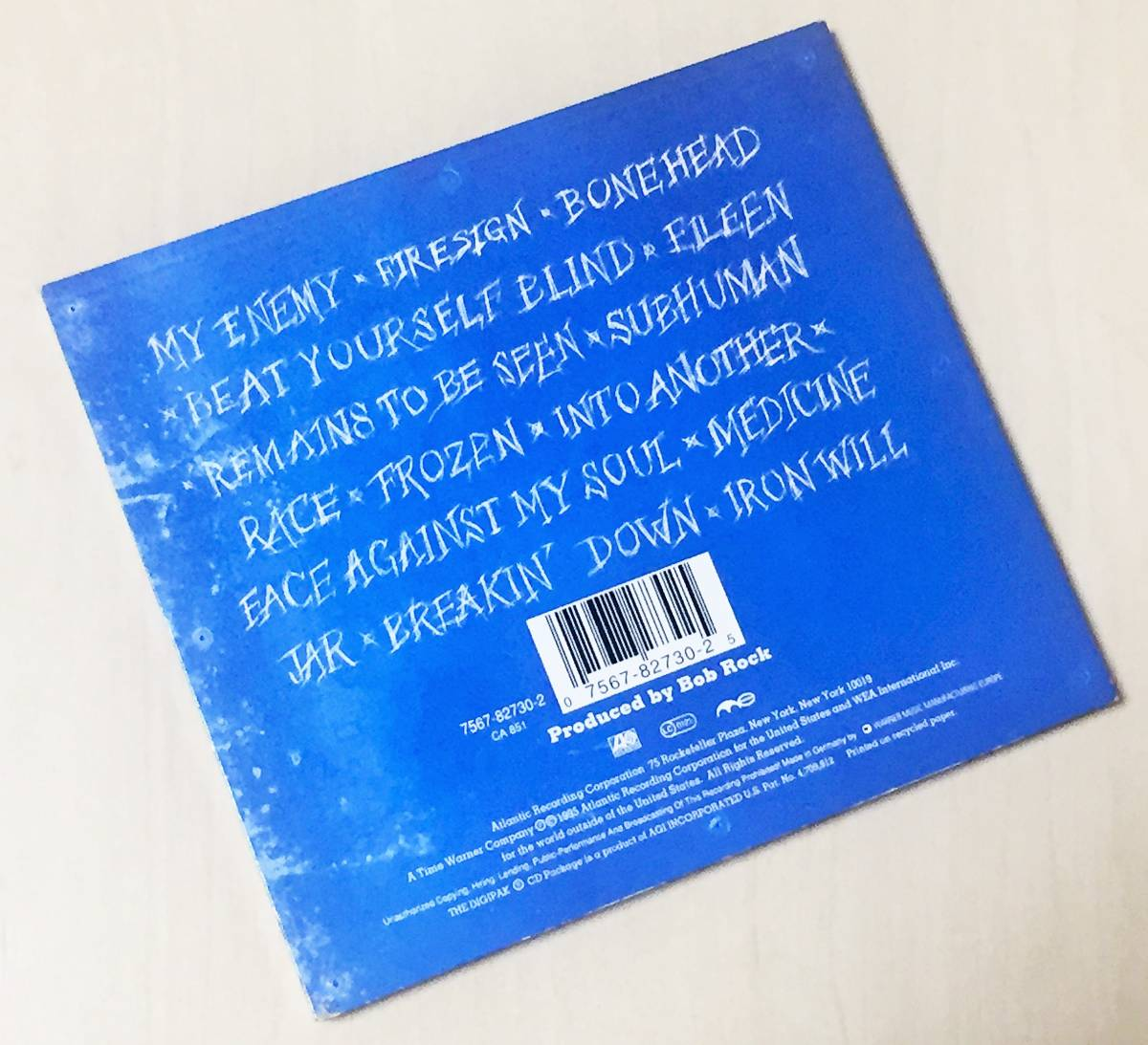 スキッド・ロウの1995年発売のインポートCD 「サブヒューマン・レース」 13曲入りのデジパック仕様 西ドイツ盤です。_画像3