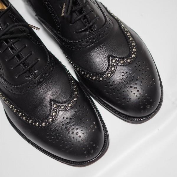 送料込 junhashimoto(ジュンハシモト)ウイングチップ スタッズ レザーシューズ 定価62,640円 25.5cm 短靴 AKM 1piu1uguale3 メンズ 黒革靴_画像7