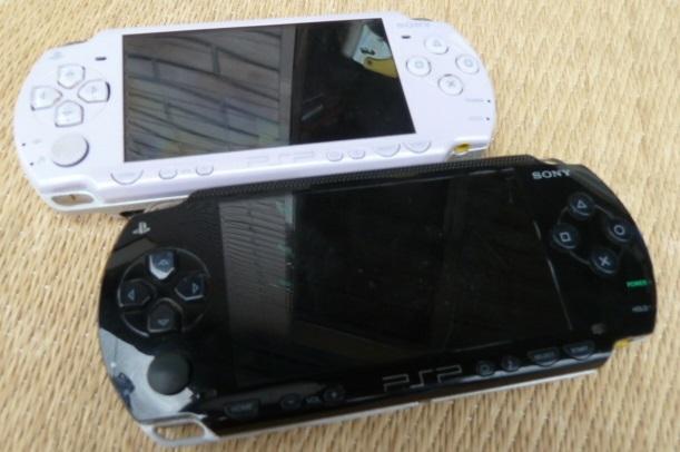 ソニー SONY PSP プレイステーション・ポータブル 本体 ブラック PSP-1000/ホワイト PSP-2000 2台セット