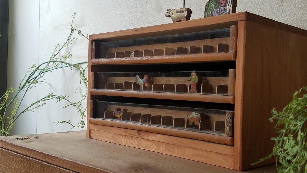 古い前面ガラス 小引き出し ショーケース ソーイングボックス 書類棚 道具箱 アンティーク 糸ケース_画像10