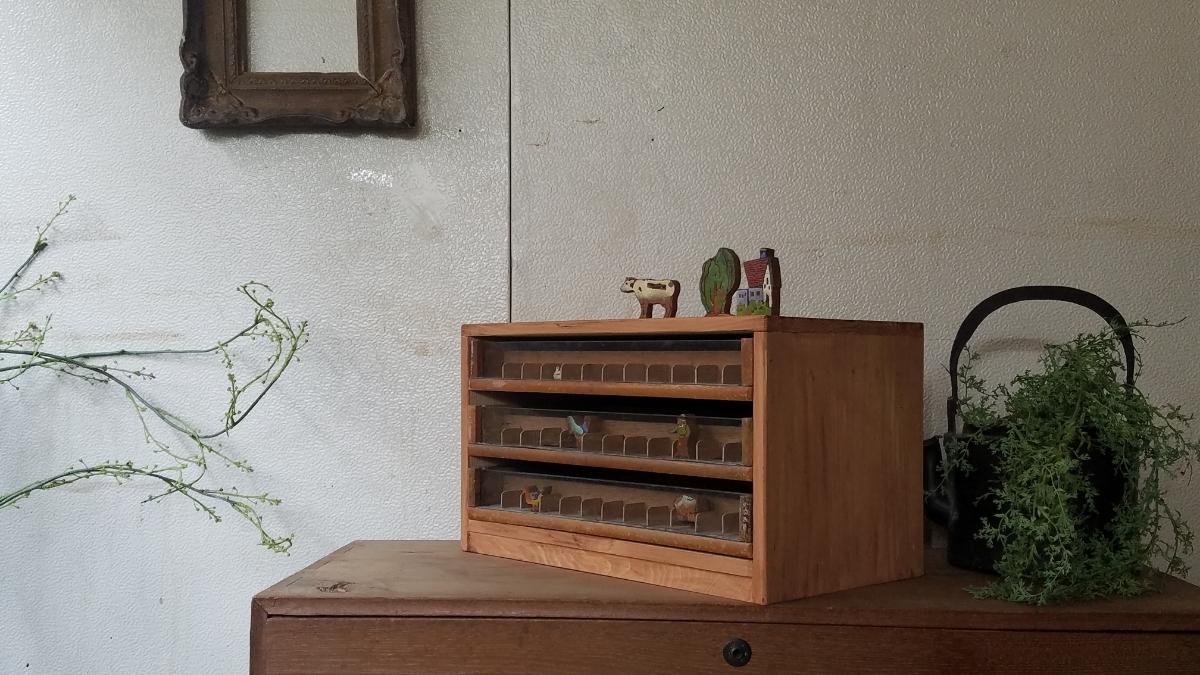 古い前面ガラス 小引き出し ショーケース ソーイングボックス 書類棚 道具箱 アンティーク 糸ケース