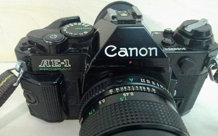 ☆ Canon/キヤノン AE-1 PROGRAM+CANON LENS NEW FD 50mm F1.4 フィルムカメラ 一眼レフカメラ ブラック レンズ付_画像3