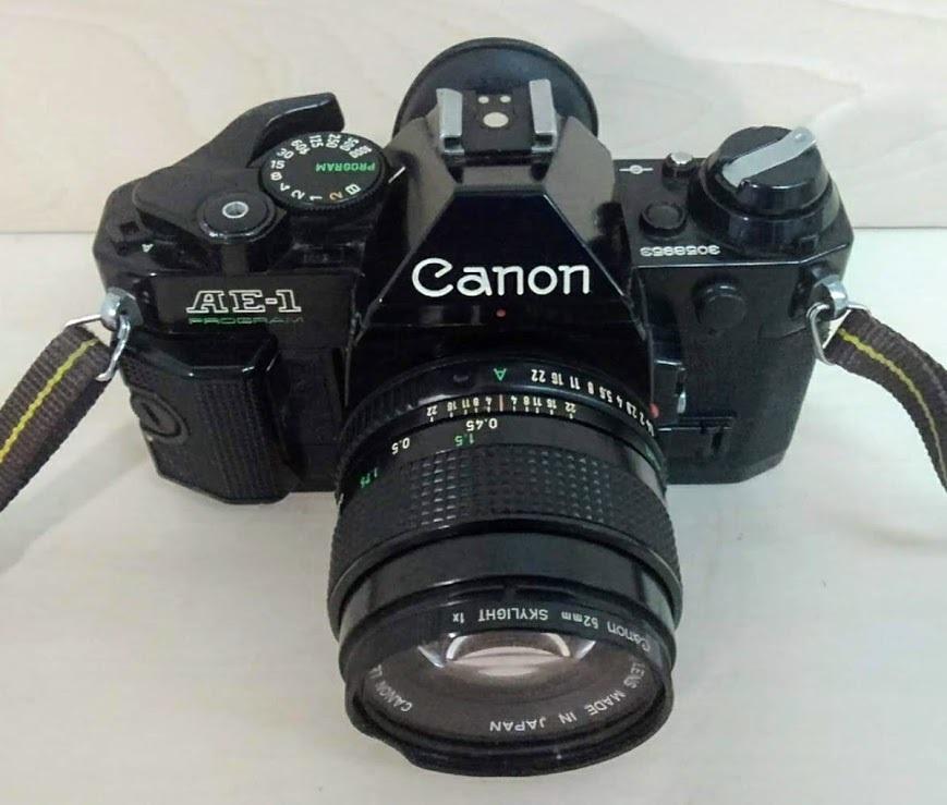 ☆ Canon/キヤノン AE-1 PROGRAM+CANON LENS NEW FD 50mm F1.4 フィルムカメラ 一眼レフカメラ ブラック レンズ付_画像2