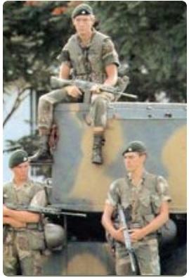 実物 南アフリカ ローデシア軍 P61/64戦闘装備 ベルトハンガー 水筒 キャンティーン RLI セルーススカウト 特殊部隊 傭兵 RECCE_画像5