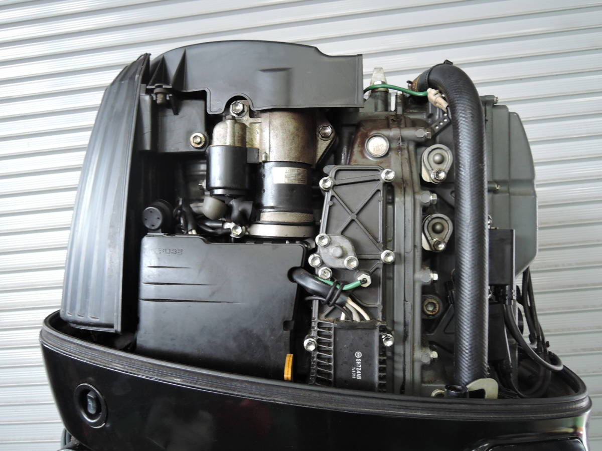 エンジン始動OK SUZUKI スズキ 船外機 140馬力 インジェクション 付属品付 4スト S930515 ヤマハ トーハツ ホンダ 90 100 115 130 150 175_画像4