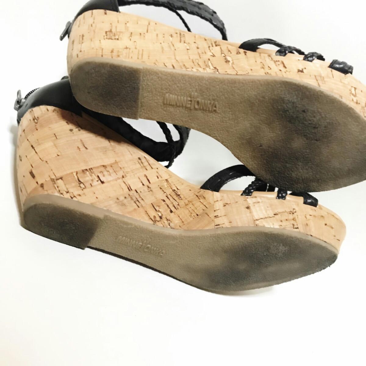 MINNE TONKA 23.5cmぐらい 3E レディース サンダル パンプス ブラック 黒 ミネトンカ 婦人 靴 くつ 中古 g001_画像5
