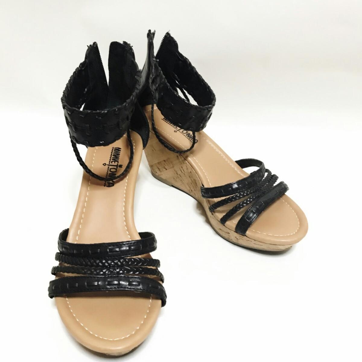 MINNE TONKA 23.5cmぐらい 3E レディース サンダル パンプス ブラック 黒 ミネトンカ 婦人 靴 くつ 中古 g001_画像8