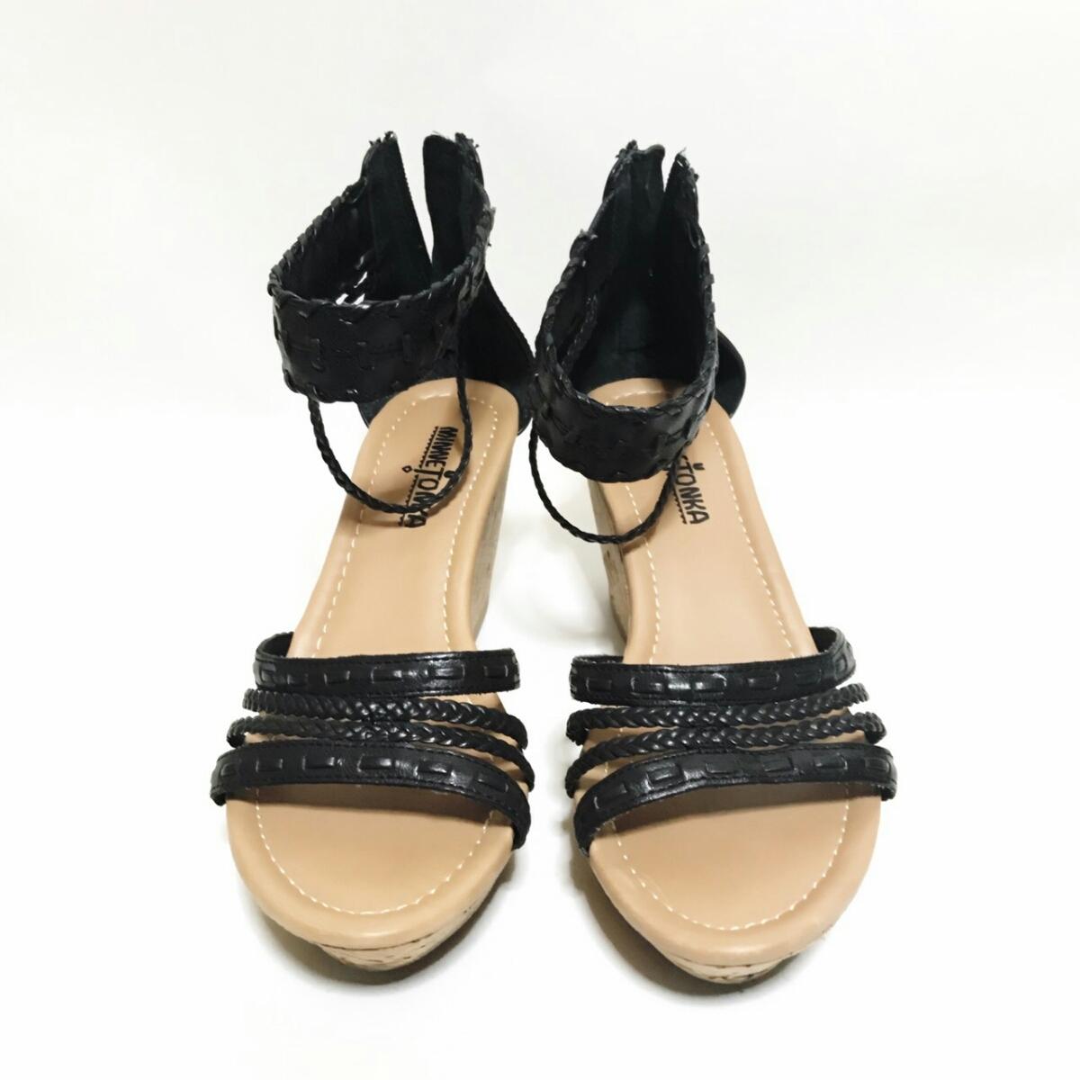 MINNE TONKA 23.5cmぐらい 3E レディース サンダル パンプス ブラック 黒 ミネトンカ 婦人 靴 くつ 中古 g001_画像2