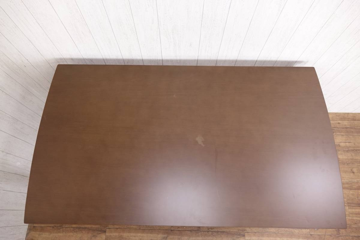 木製 ダークブラウン ◆ ダイニングテーブル [ 幅135cm 高さ69.5cm 奥行75cm ] 管理49381_画像7