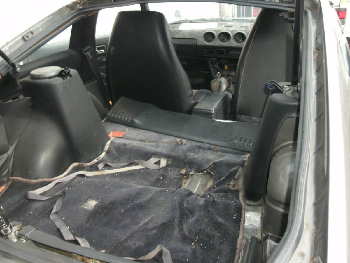 S130Z ノーマルルーフ 2シーター 丸車 書類なし エンジン・部品多数付き L型_画像5