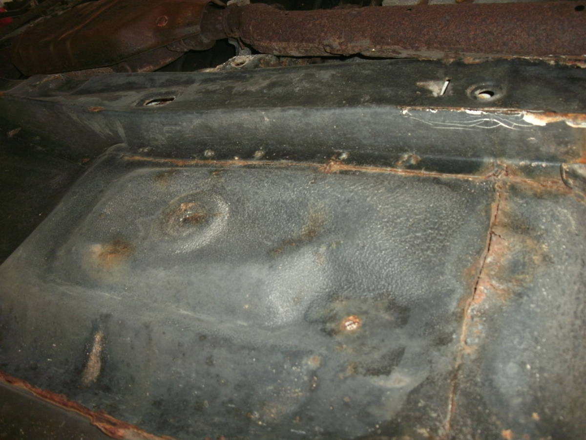 S130Z ノーマルルーフ 2シーター 丸車 書類なし エンジン・部品多数付き L型_画像9