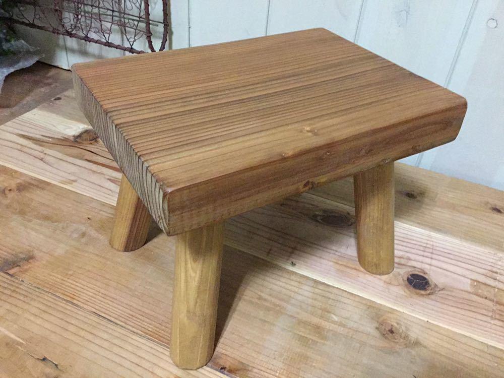 小さな森の倉庫 大工さん手づくり♪自然塗料 天然木 一枚板 無垢 ベンチ ミニ 花台 スツール 踏み台 子供イス_画像5
