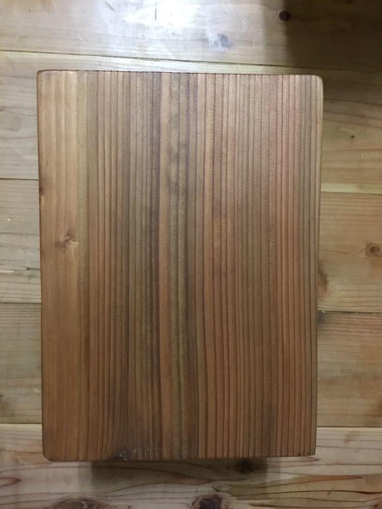 小さな森の倉庫 大工さん手づくり♪自然塗料 天然木 一枚板 無垢 ベンチ ミニ 花台 スツール 踏み台 子供イス_画像6