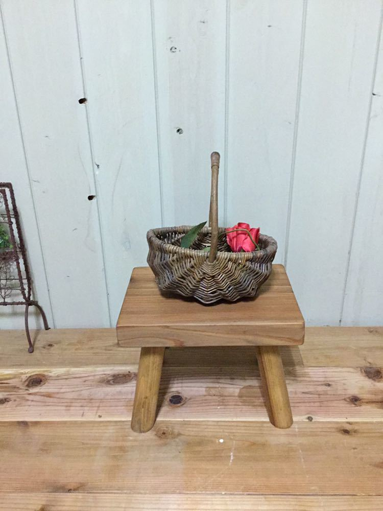 小さな森の倉庫 大工さん手づくり♪自然塗料 天然木 一枚板 無垢 ベンチ ミニ 花台 スツール 踏み台 子供イス