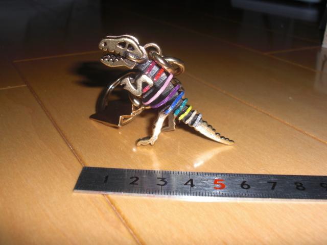最後の1点です。 新品 コーチ  メタル レキシー バックチャーム 29586  恐竜 ダイナソー キーホルダー_画像1