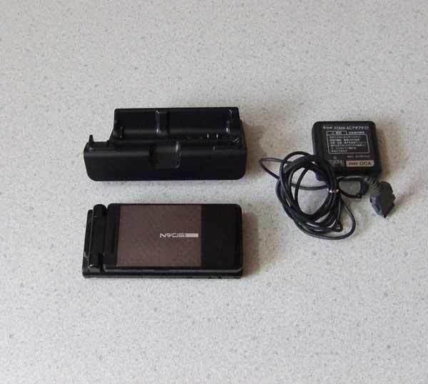 携帯電話 docomo NEC FOMA N905i + 卓上ホルダ N14 + FOMA ACアダプタ01 セット_画像2