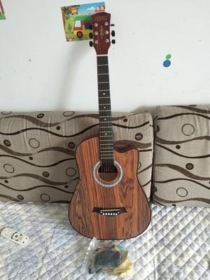38寸花梨木原木ギター、新品未使用。