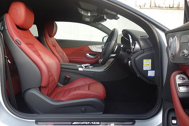 【保証プラス加入車/令和3年10月まで正規ディーラー保証付き!!】 ☆①オーナー車輌/AMG C43 4MATIC クーペ/コンディション抜群!!_AMGモデルに相応しい室内色です!!
