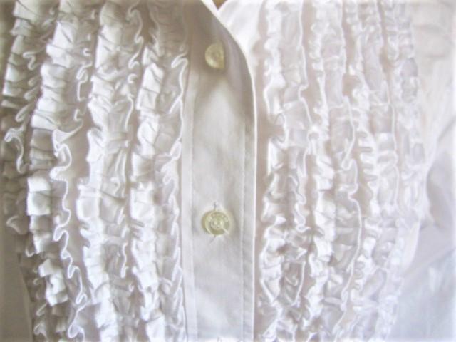 ★超美品NARA CAMICE 胸元フリルいっぱいのブラウス イタリア製 送料込み★_画像3