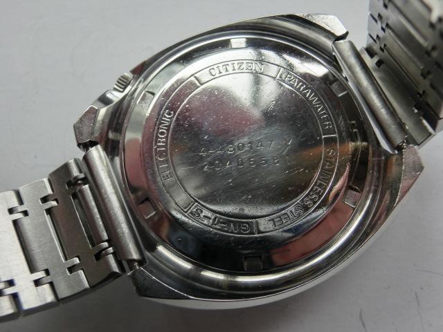 シチズン メンズ腕時計 コスモトロンX8 電磁テンプ式 シルバー色 カットガラス 大きめケース_画像5