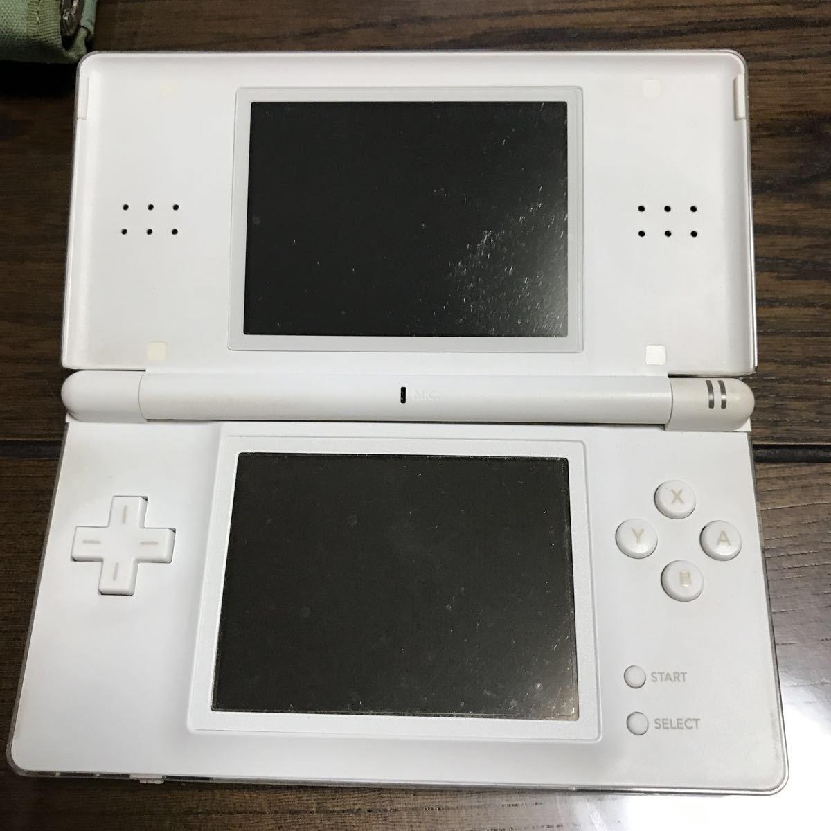 任天堂DS本体+ソフト4個+ケース+充電器_画像2