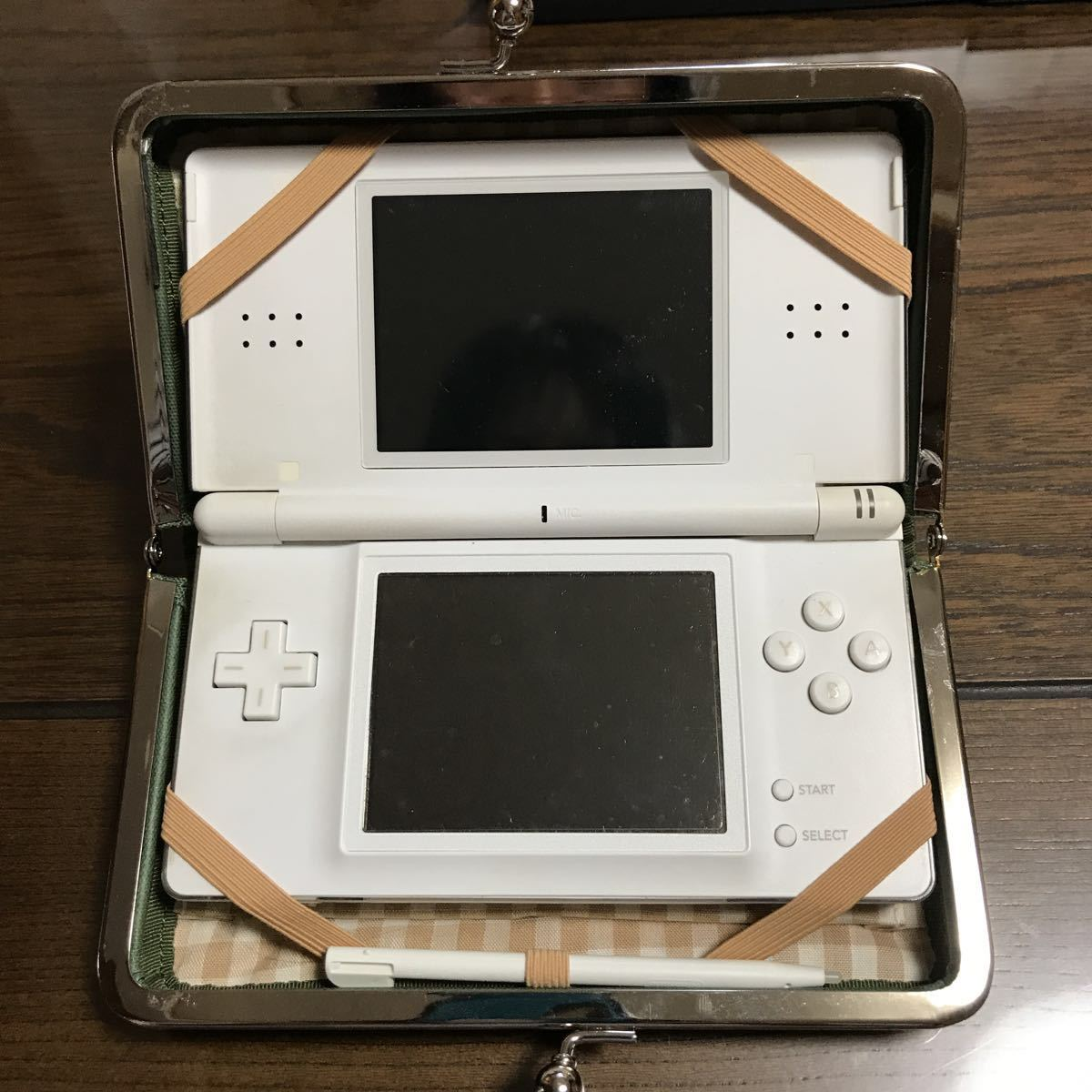 任天堂DS本体+ソフト4個+ケース+充電器_画像6