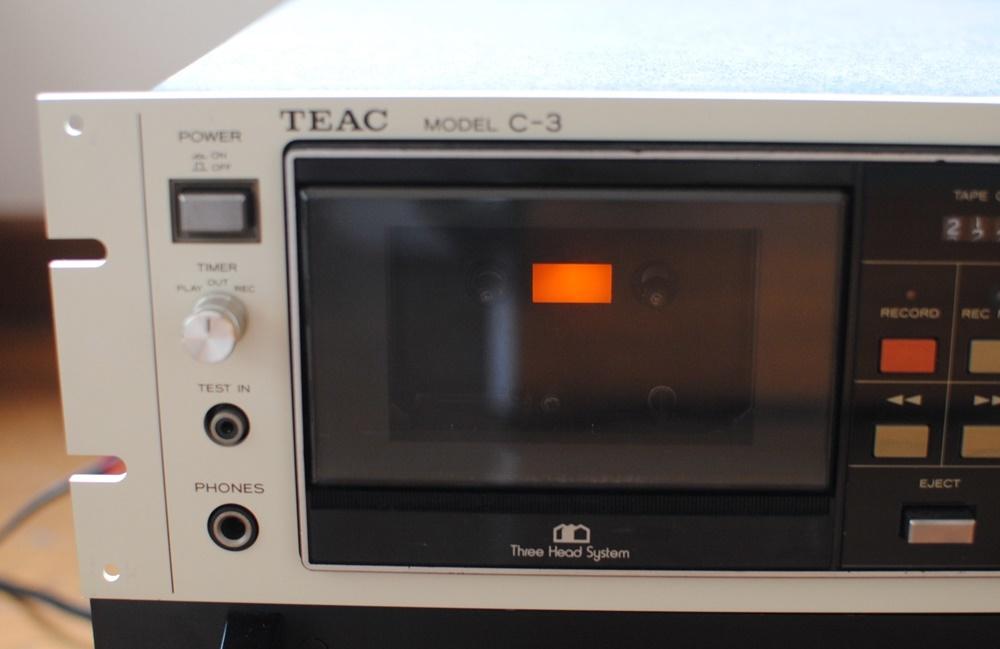 TEAC(テアック)3ヘッドカセットデッキC-3 中古品 _画像2
