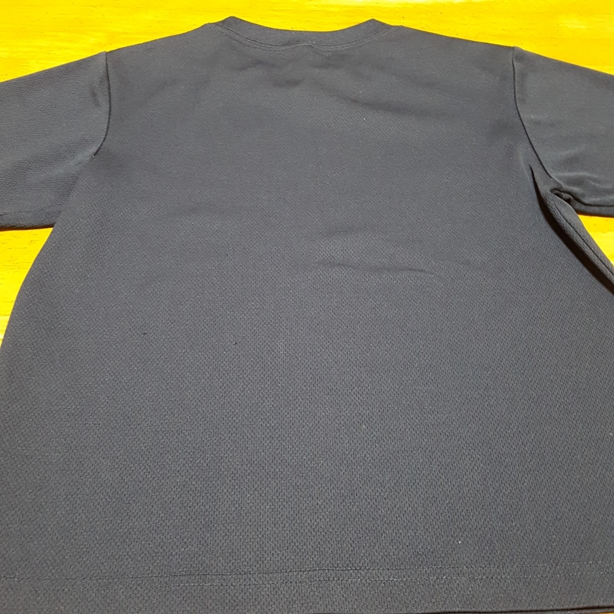 おまけつき 紺色Tシャツ 速乾 サイズ 140 中古 ボーダーTシャツ付き_画像3