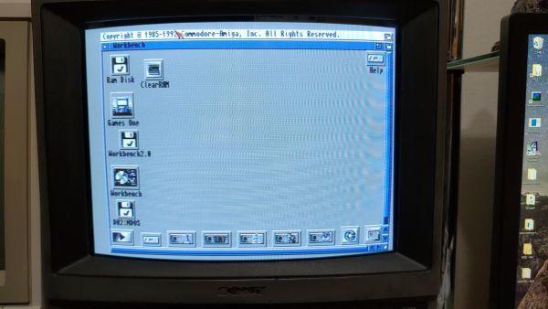 【フロッピーディスク】コモドールアミーガ Workbench 2.05 Commodore Amiga_画像2