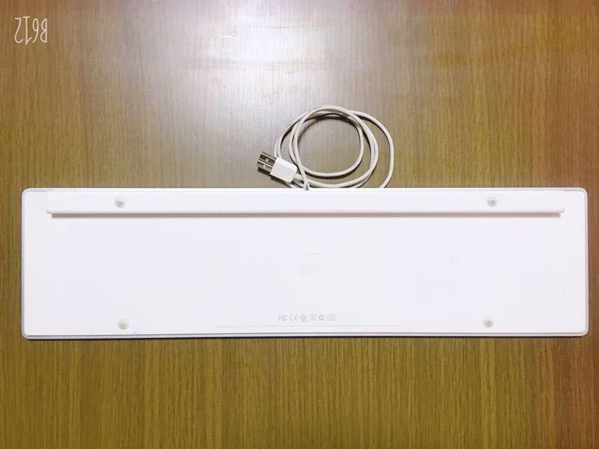 apple 純正 USB テンキー付 キーボード 美品 A1243_画像2