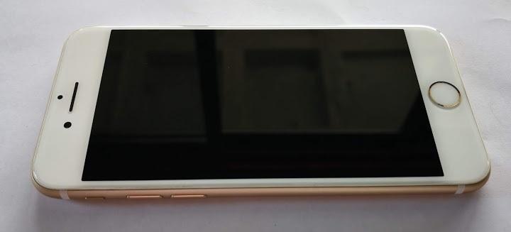 ★最低落札価格設定なし 1円スタート 【中古美品】iPhone7 128GB ゴールド 2019年3月バッテリー交換済み SIMロック解除済み_画像2