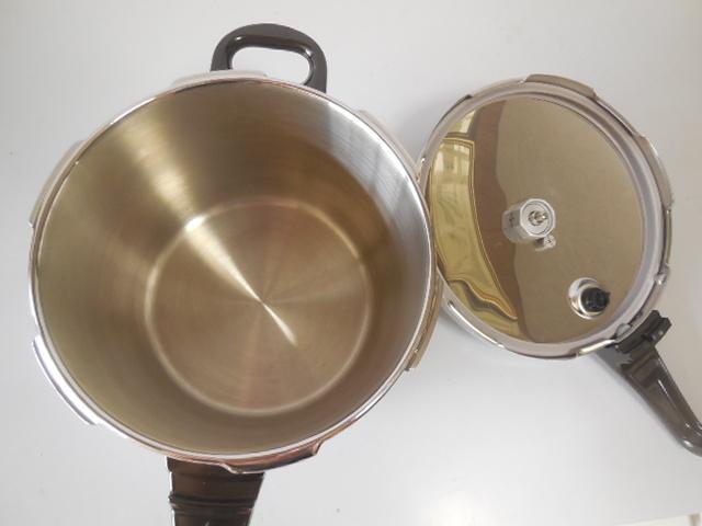 ●Fissler フィスラー圧力鍋 vitavit royal 容量:6L 寸法:22cm ドイツ製高級調理器具_画像5
