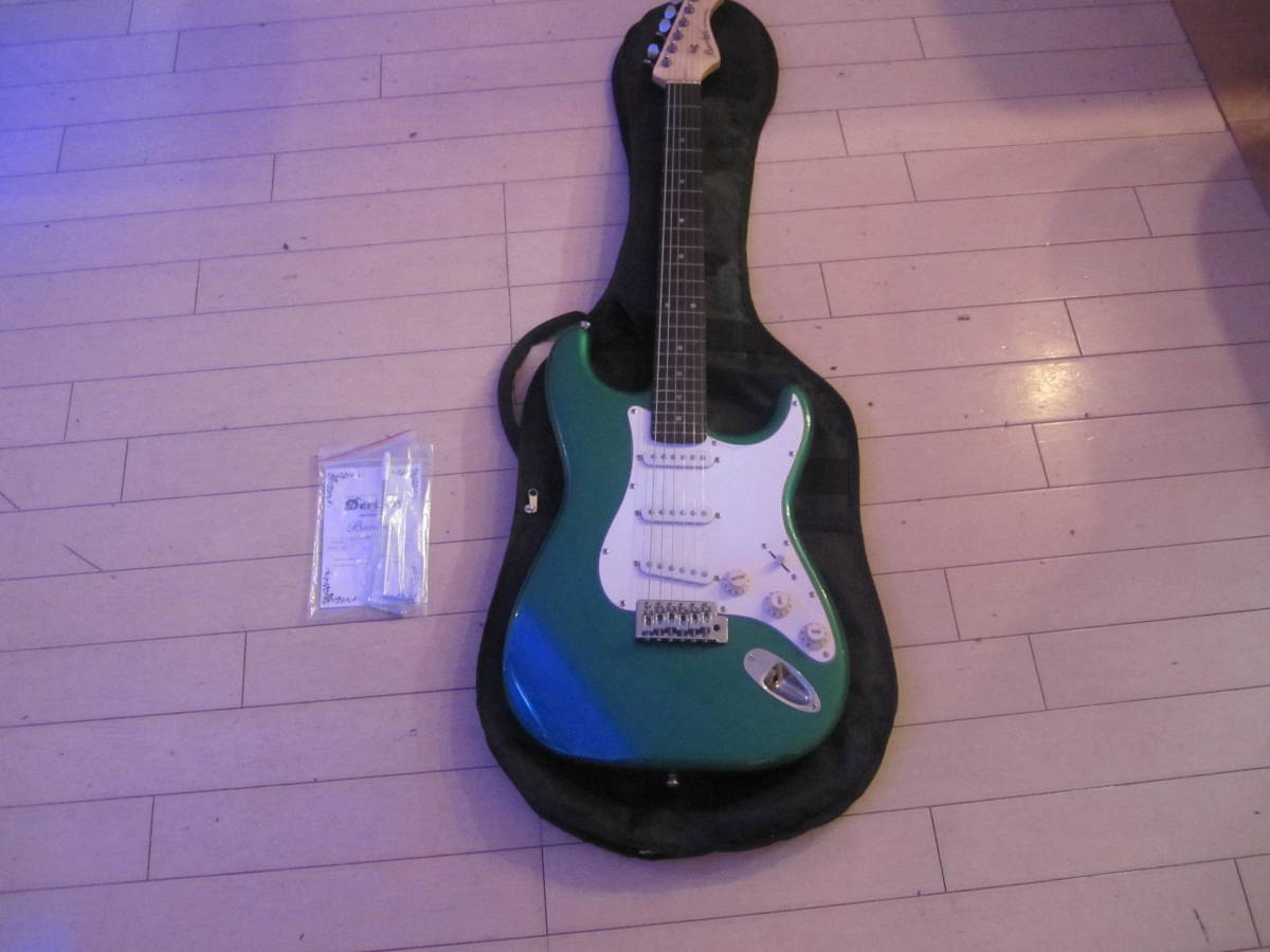 Bacchus エレキギター BST-1R 現状品