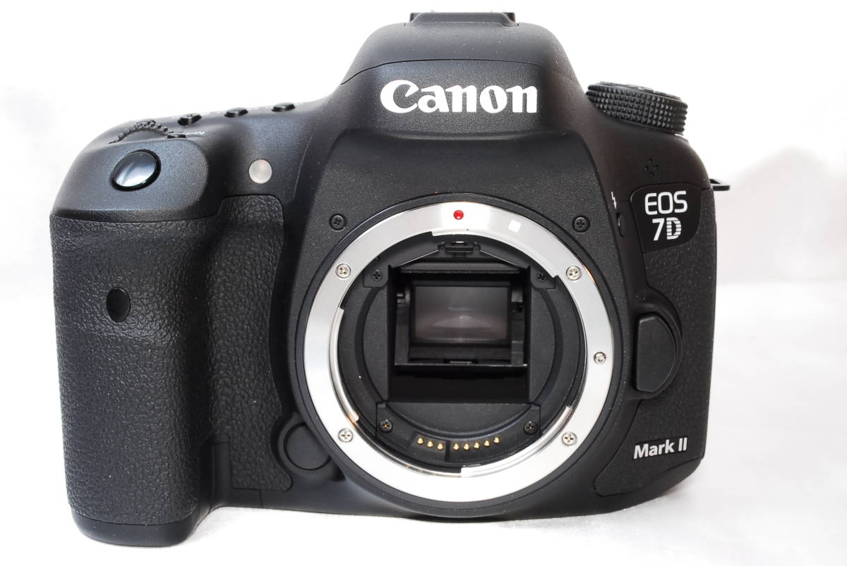 ★【新品級】Canon EOS 7D Mark II マーク2 MK2 MKII ★APS-C機最強一眼レフ ★WiFiアダプター付き ★5 6 60 70 80_画像2