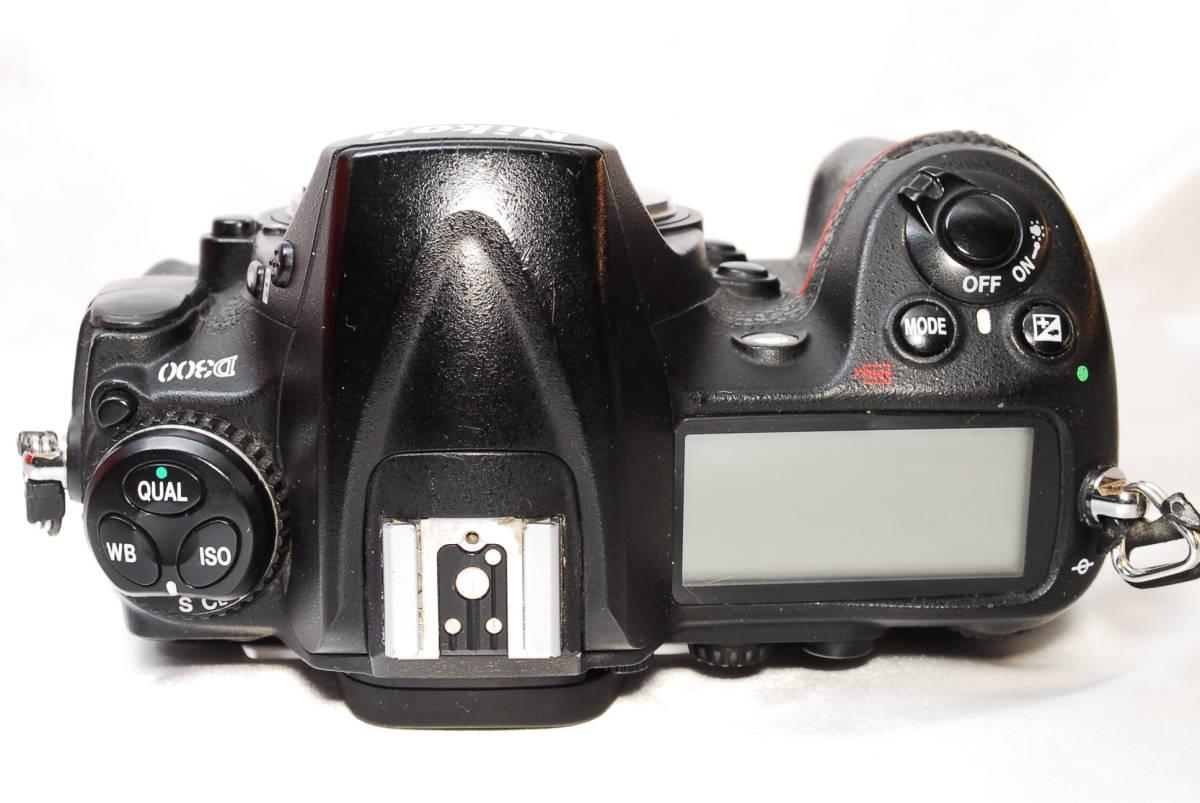 ★【美品】Nikon D300 ★名機と言われたデジタル一眼レフ ★付属品充実!!★バッテリー 充電器 液晶カバー CFカード 取説_画像4