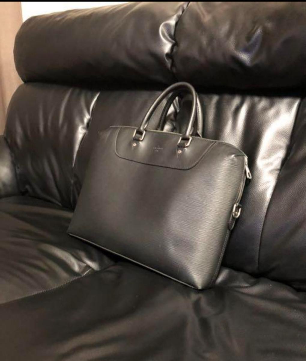 Louis Vuitton エピ ポルトドキュマン ヴォワヤージュ ノワール 極美品 定価288.360円 ルイヴィトン_画像2