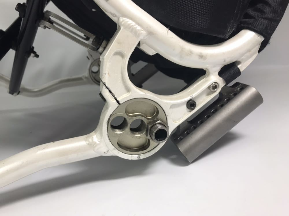 スポーツ・競技向け 車椅子 OXエンジニアリング 380R フレームのみ タイヤ無し 中古品_画像2