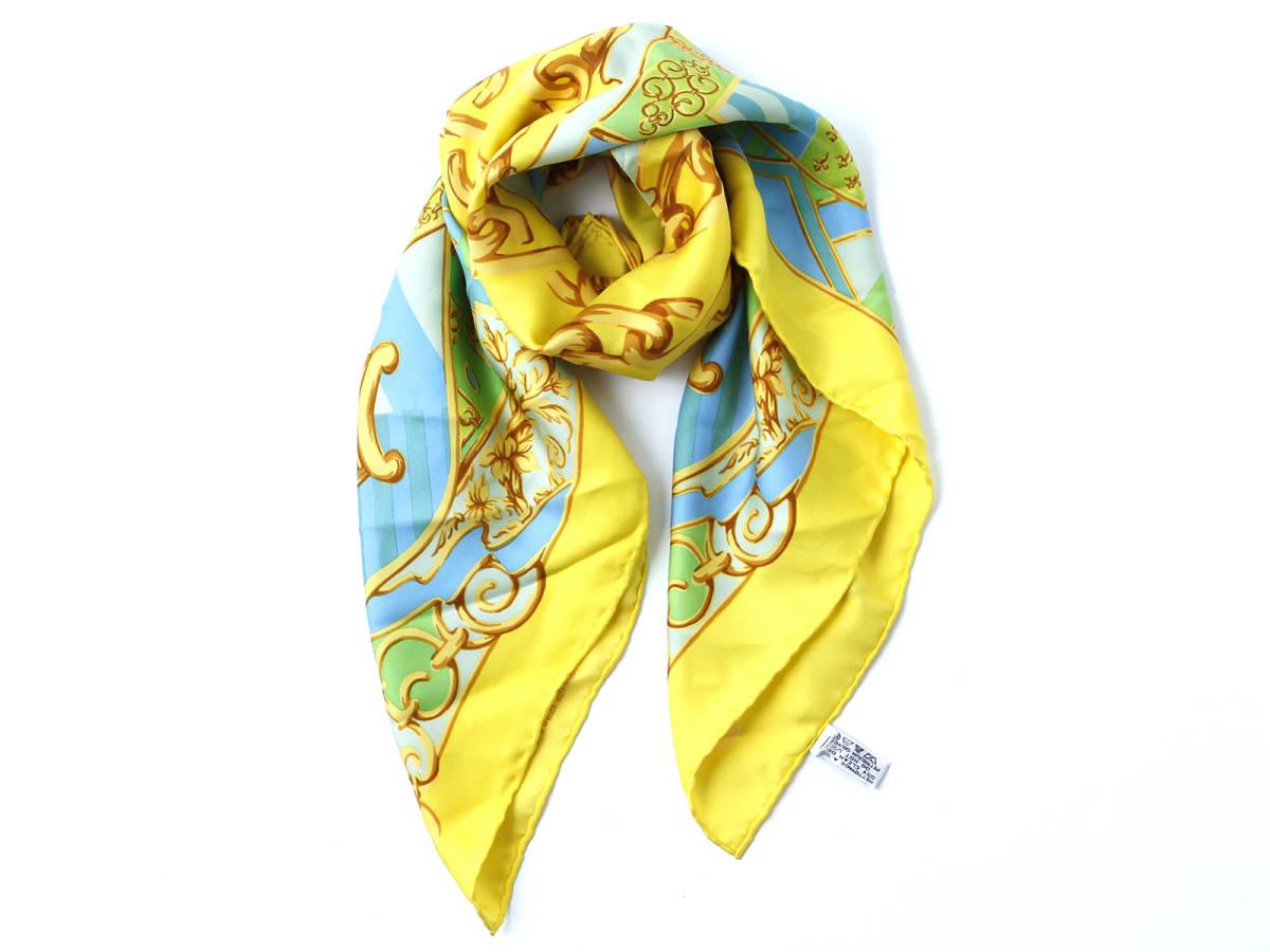 美品 CELINE セリーヌ ロゴ有 シルク100% 大判 スカーフ ブラゾン エンブレム 紋章柄 イタリア製 ストール ベルトにも ヴィンテージ 85×85