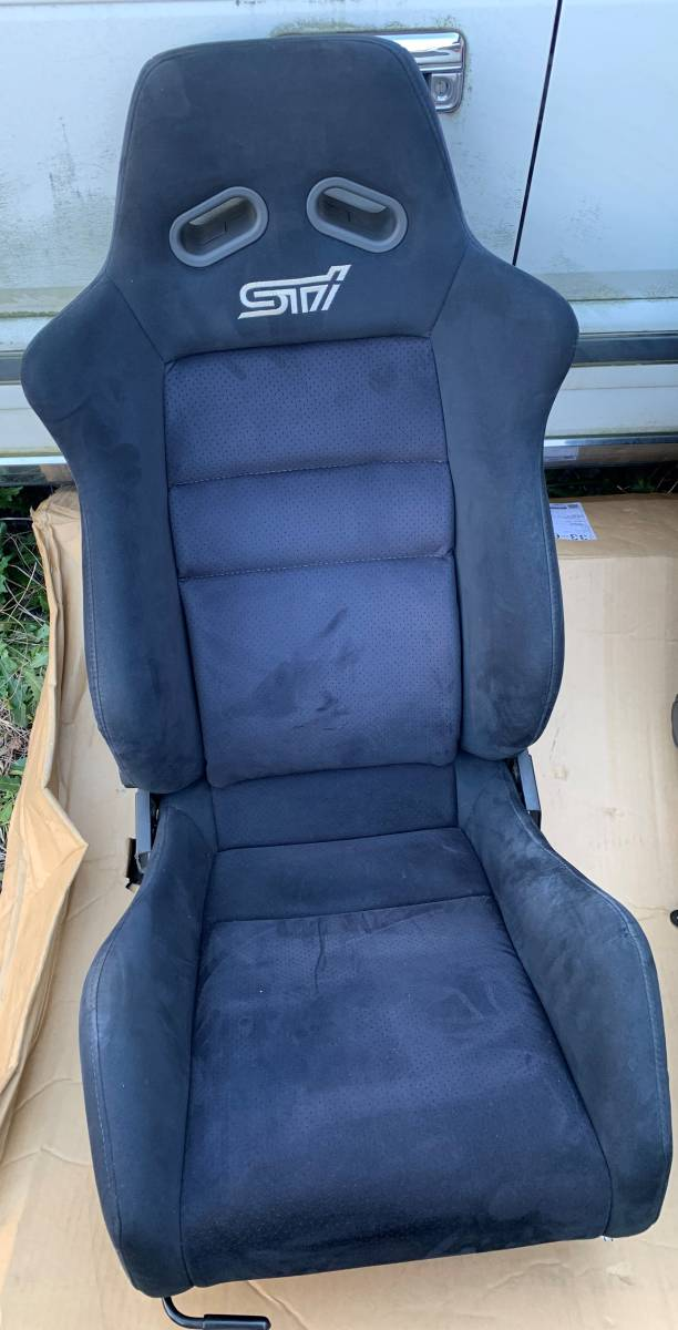 希少!STI セミバケットシート左右 GDBにて使用 レール付きです!状態もまぁまぁ良いと思います!ヴィヴィオ? レガシィ?_画像2