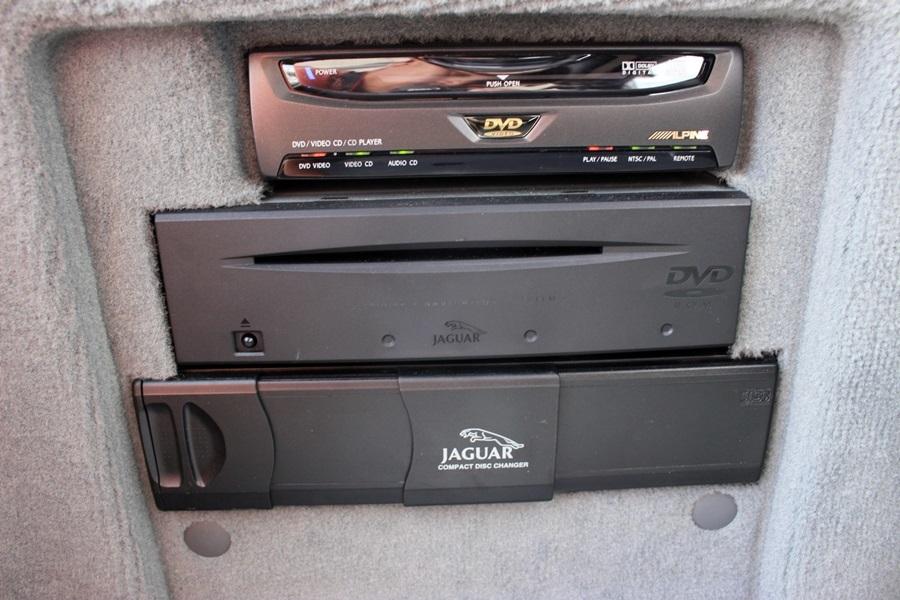 特別限定50台XJスーパーV8ポートフォリオ!4人乗り!リアエンター!機関良好!美車!_画像9