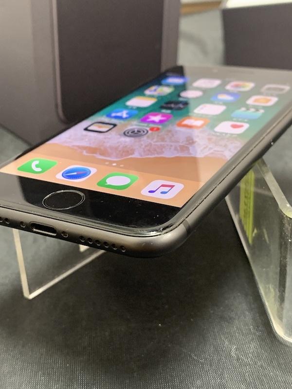 【au】【判定◯NW制限保障】iPhone8 64GB 黒 スペースグレー au系MVNO使えます!即決あり!_画像5